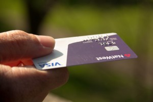 Line of Credit vs Credit Card: What's the Difference?
