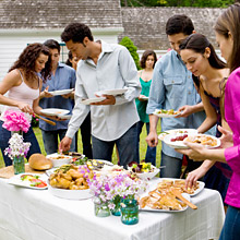 Plan the perfect summer party without going broke